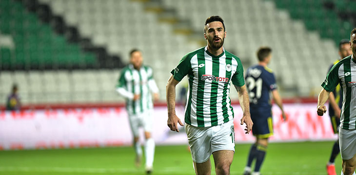 İttifak Holding Konyaspor'umuz Fenerbahçe'yi 9 kişi ile 1-0 yendi