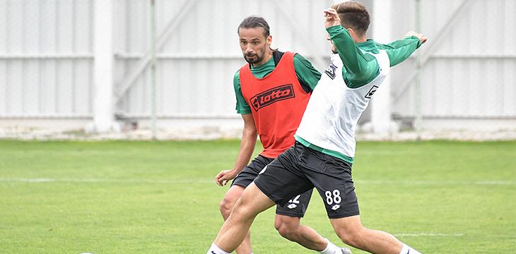 Konyaspor'umuz yaptığı antrenmanla Göztepe maçı hazırlıklarına başladı
