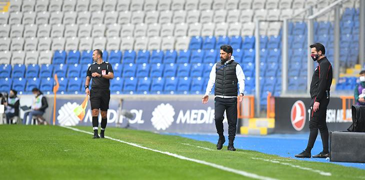 Teknik Direktörümüz İlhan Palut M. Başakşehir maçı sonrası açıklamalarda bulundu