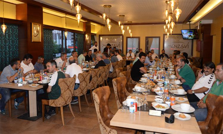 Yönetimimiz alt yapı tarafından düzenlenen iftar yemeğine katıldı