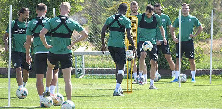Konyaspor'umuz hazırlıklarını taktik antrenmanla sürdürdü