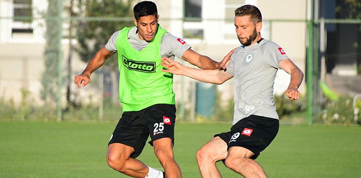İttifak Holding Konyaspor'umuz günü taktik çalışma ile tamamladı