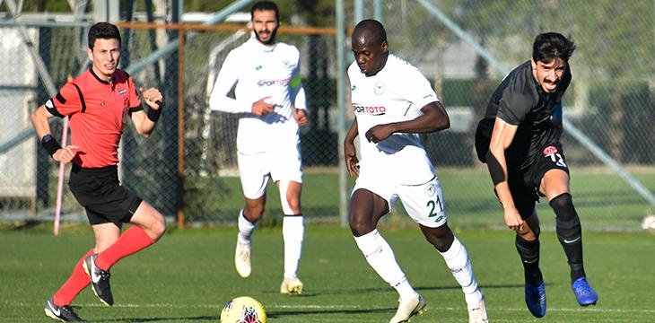 İttifak Holding Konyaspor'umuz hazırlık maçında Ümraniyespor ile berabere kaldı