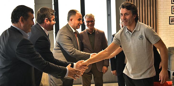 MHP İl Yönetiminden Teknik Direktörümüz Bülent Korkmaz'a ziyaret