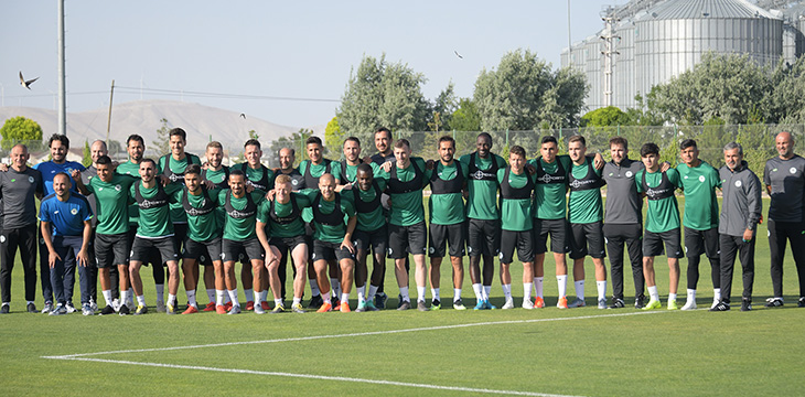 Konyaspor'umuz 2019-2020 Sezonu hazırlıklarına yapılan antrenmanla başladı