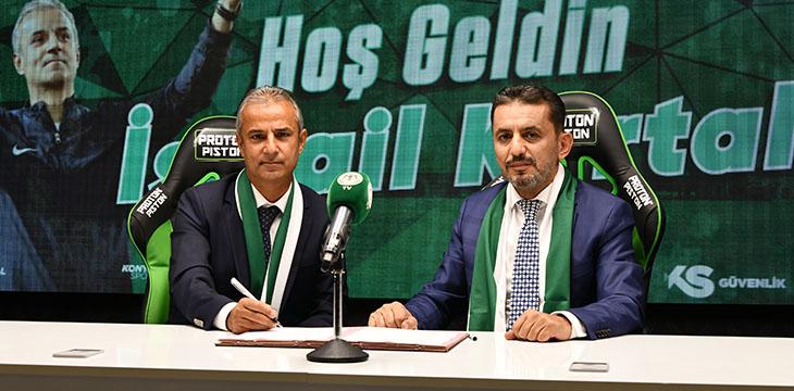 Teknik Direktörümüz İsmail Kartal ile resmi sözleşme imzaladık