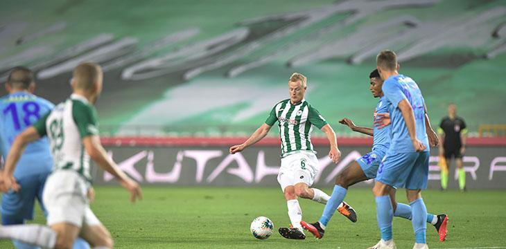 İttifak Holding Konyaspor'umuz Rizespor engelini 1-0'lık galibiyetle geçti