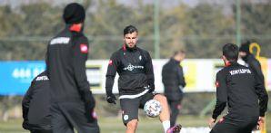 İttifak Holding Konyaspor'umuz taktik antrenmanla hazırlıklarını sürdürdü