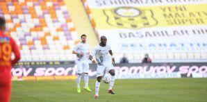 Takımımız muhteşem geri dönüş ile Malatya'da 3-2 kazandı