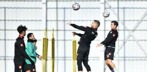 İttifak Holding Konyaspor'umuz günü yapılan antrenmanla geride bıraktı