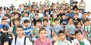 Ömer Ali Şahiner'den öğrencilere sürpriz ziyaret