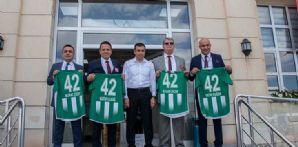 Konyaspor'umuzu herkes sahiplenmek zorundadır