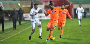 İttifak Holding Konyaspor'umuz sezonun ilk yarısını mağlubiyetle kapattı
